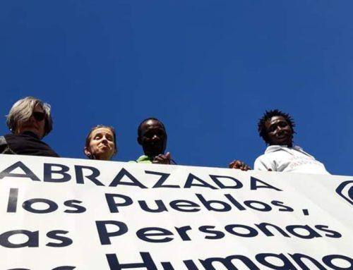 DEFENDER LOS DERECHOS HUMANOS PARA TODAS LAS PERSONAS #5MAbrazada